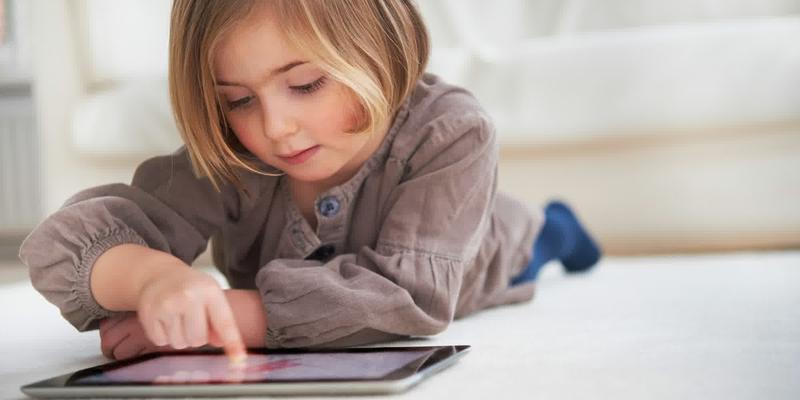 Waspada Penyakit Saraf Karena Kebiasaan Gadget Anak-Anak Di Jepang